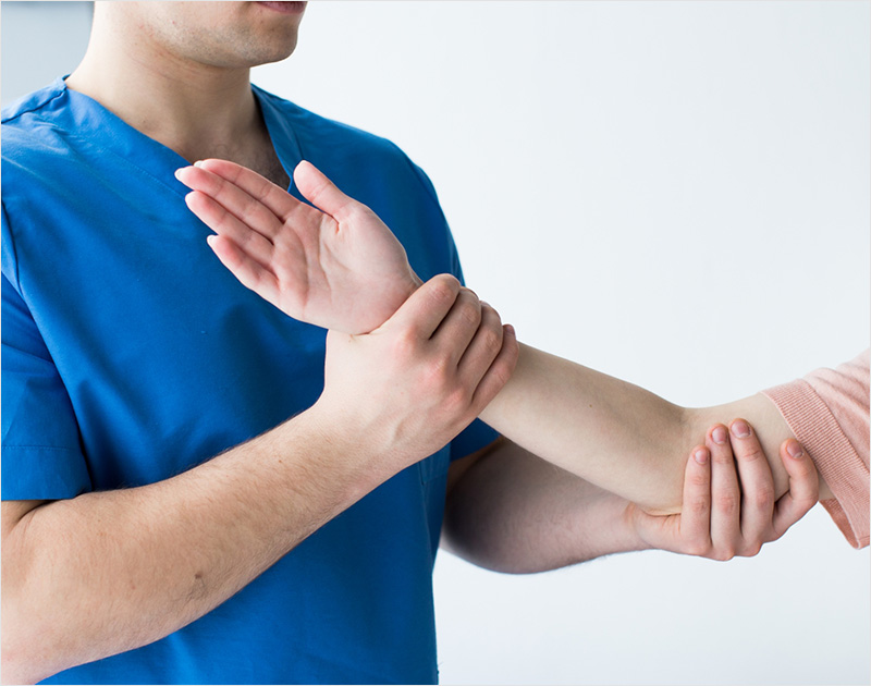 Arm basis trainingを利用した脳卒中後の片麻痺に対する上肢リハビリ